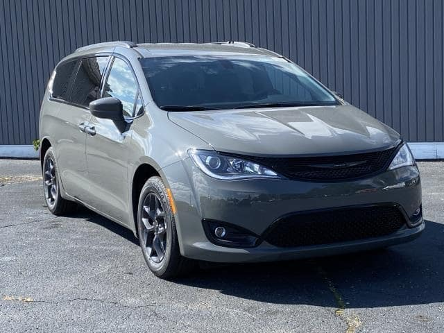 2020 Chrysler Pacifica Touring L Lease Offer In Brighton