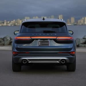 2020 Lincoln Corsair Rear View in front of a city skyline